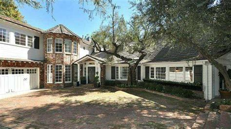 goodwin house ginnifer goodwin and josh dallas house josh dallas and ginnifer goodwin buy family