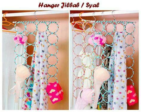 Gantungan Baju Kayu Bagus Wooden Hangers Warna Warni 4pcs Rp 70rb hanger jilbab bulat gantungan jilbab anti kusut harga jual