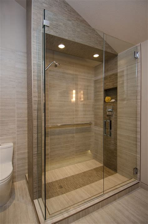 Bathroom Tile Decorating Ideas by Master Bath With Vaulted Ceiling Remodel Contemporary