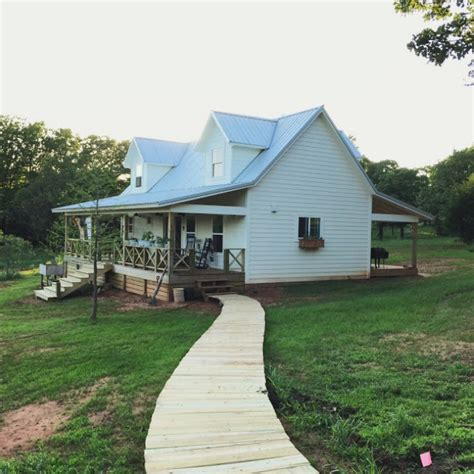 tiny homes oklahoma oklahoma couple simplify life in 1 000 square foot farm