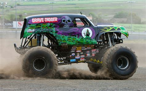 grave digger monster truck driver ride along with grave digger performance video truck trend