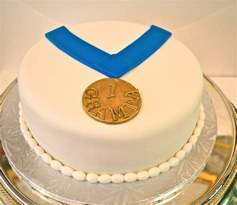 This Cake Received A Gold Medal At The Cake International - 17 best images about run4food on trainers