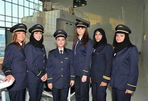 etihad airways careers cabin crew uae airlines etihad emirates seek new crew members