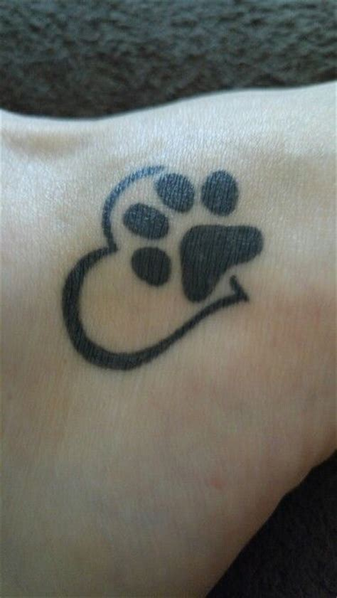 heartbeat paw tattoo 17 best ideas about pet memorial tattoos on pinterest