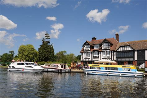 On Norfolk Broads autumn on the broads with up to 163 100 norfolk broads direct norfolk broads boating holidays