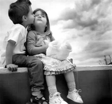 fotos blanco y negro de besos la importancia de los besos candidoysuscosas