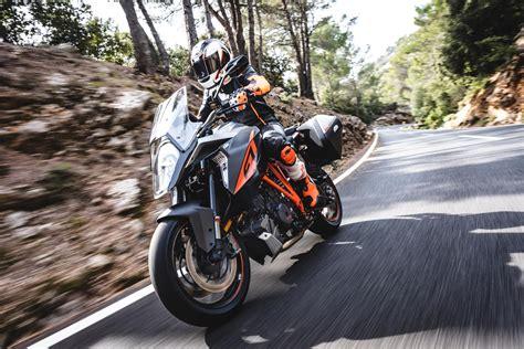Motorrad Online Ktm 1290 by Ktm 1290 Super Duke Gt Test Pr 228 Sentation Motorrad Fotos