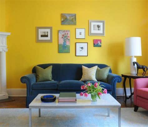 Idee Deco Salon Bleu by 1001 Id 233 Es Cr 233 Er Une D 233 Co En Bleu Et Jaune Conviviale
