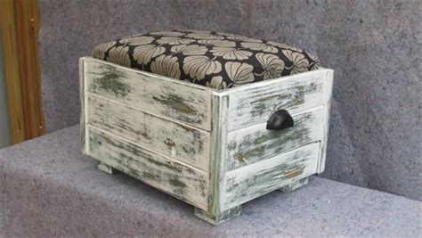 Pallet Ottoman Diy Pallet Ottoman With Storage Capability Pallet Furniture Plans