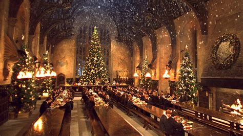 hogwarts great hall harry potter fans can dine in hogwarts great hall this