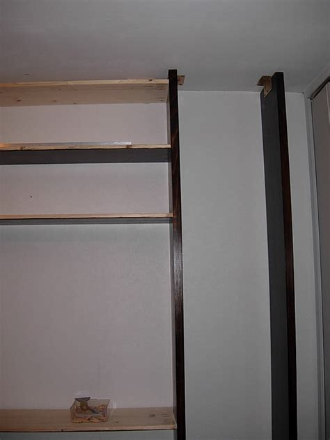 Fixer Une Armoire Au Mur Sans Percer by Faire Un Mur Biblioth 232 Que Forum Ma 231 Onnerie Fa 231 Ades