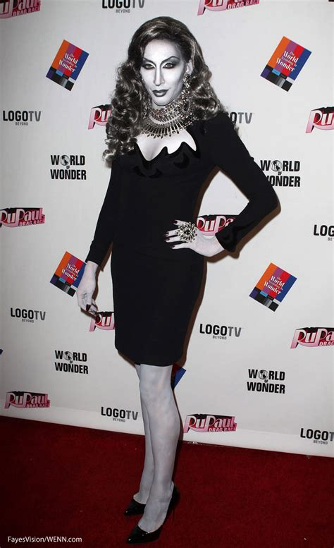Detox Without Drag Reddit by Detox Black And White Carpet Rupaul S Drag Race Reunion