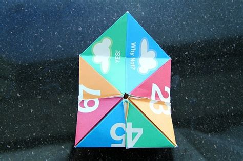 Folding Paper Fortune Teller - crafts how to make a paper fortune teller for