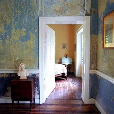 distressed walls tutorial best 25 distressed walls ideas on pinterest grey