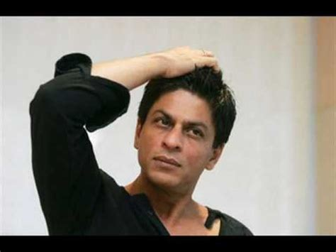 srk hair transplant when shahrukh khan touches his hair youtube