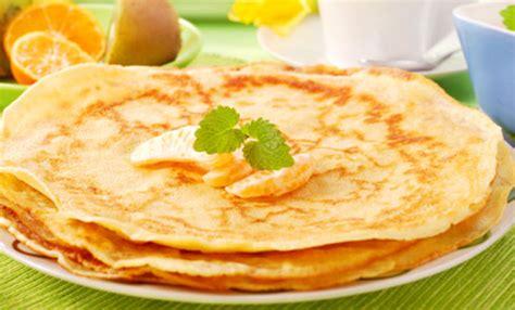 cucinare crepes crepes vegan la ricetta base per gustose crepes dolci e
