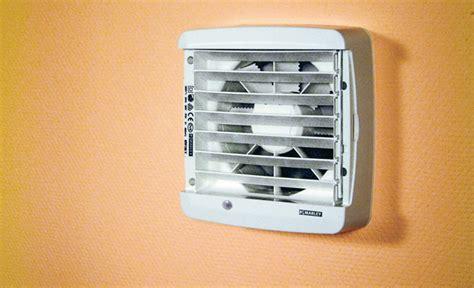 badezimmer ventilator badezimmer ventilator einbauen surfinser
