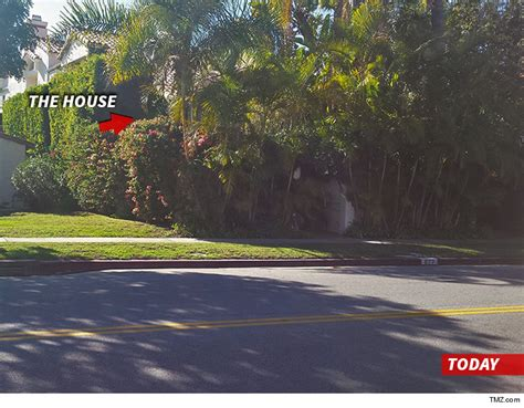 nicole brown simpson house nicole brown simpson murder home swarmed by looky loos after people v o j simpson