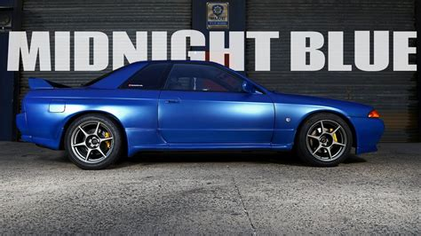 Midnight Blue Nissan Skyline R32 Gt R