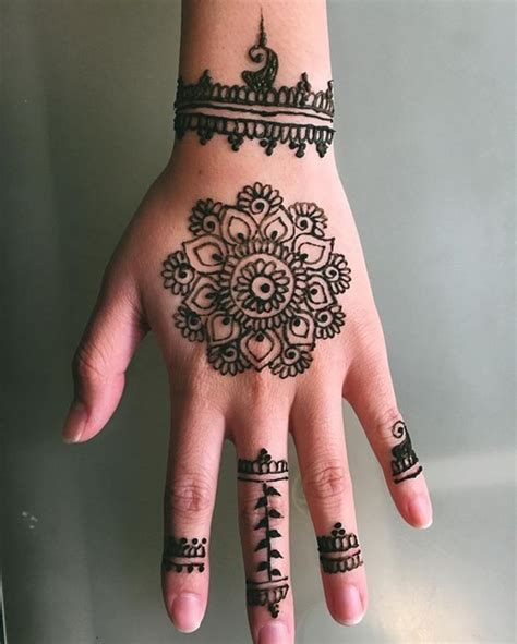 henna tattoo tangan 90 stunning henna designs to feed your temporary
