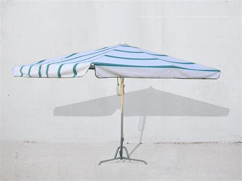 gazebo per ambulanti carrelli stender e attrezzatura per mercato ombrelloni e