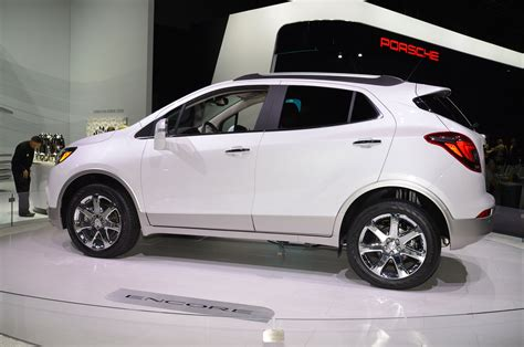 buick encore 2017 white 2017 buick encore refreshed at new york auto show