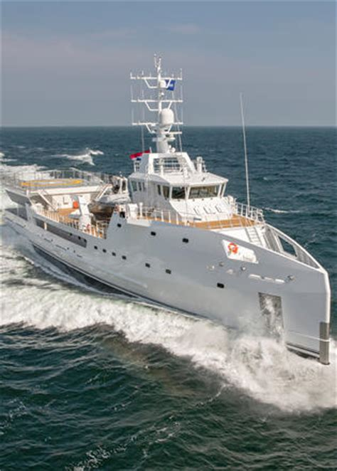 yacht game changer damen yacht support vessel game changer makes london debut