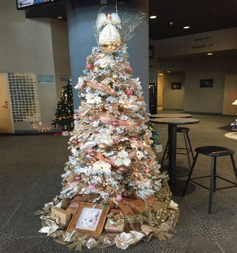 enchanted forest christmas trees judges vote on enchanted forest trees fortsaskonline
