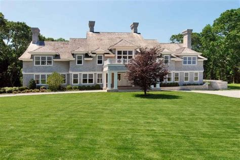 inside celebrity homes billy joel 39 s 20m htons beach celebrity news beyonc 233 and jay z s house in the htons