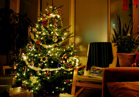 exciting ways to decorate your christmas tree