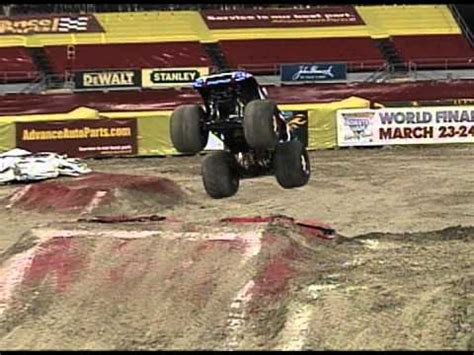 monster truck jam los angeles monster jam captain america monster truck freestyle in