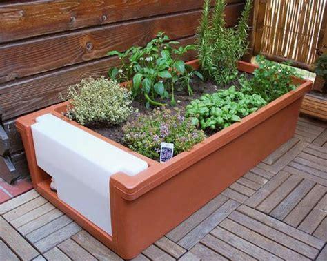 orto sul terrazzo di casa orto sul terrazzo per coltivare erbe aromatiche e piccoli