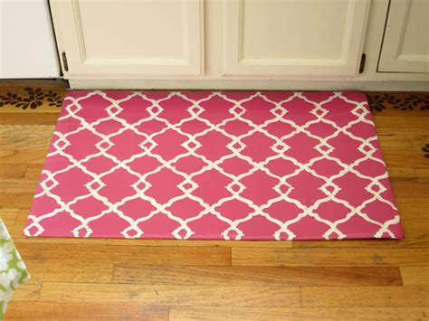 Diy Kitchen Rug Diy How To Make A Quatrefoil Design Area Rug