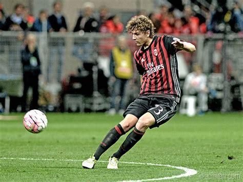 Ac Milan 3rd Emas Tahun Kemarin siapa sih manuel locatelli calon jenderal lini tengah rossoneri bolalob