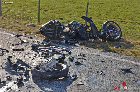Motorrad Unfall Deutschland by Deutschland Frontalkollision Zweier Motorr 228 Der Zwei