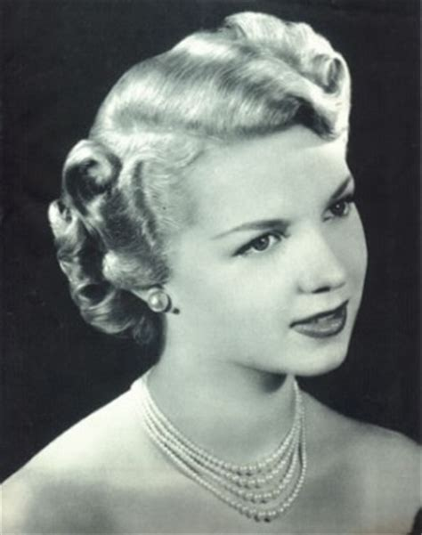 1940s style with hair 1940 s hairstyles made easy vintage 1940s hairstyles