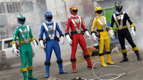 Helm Dan Kostum Power Ranger Kostum Power Rangers Dari Masa Ke Masa Indoforum