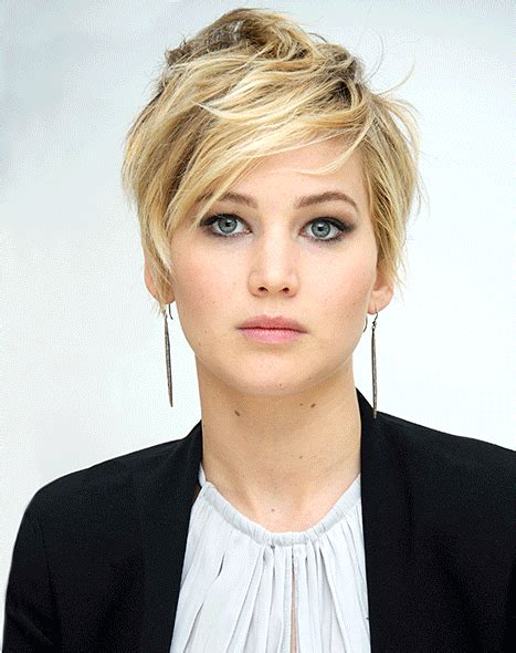 instructions for jennifer lawrece short haircut jennifer lawrence s grown out pixie haircut styling