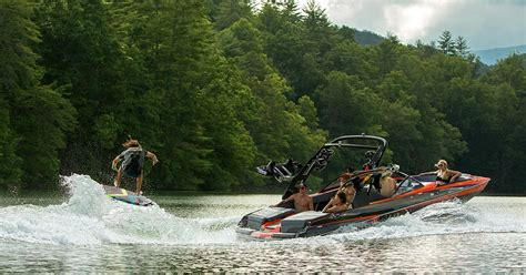 malibu boats in loudon tn malibu maximizes style wakes and family time with the new
