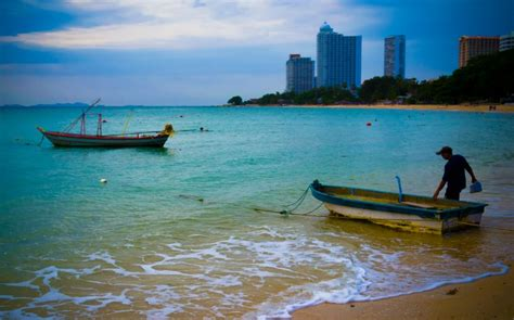 banana boat ride cost in pattaya 7 best beaches in pattaya for a perfect sandy getaway