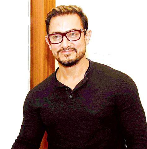 aamir khan aamir khan begins private screening of dangal for family