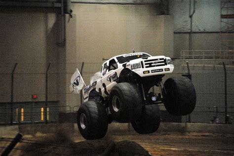 duquoin monster truck show monster truck photos du quoin il monster nationals 2012