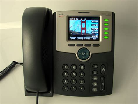 Cisco Spa 525 G look cisco spa525g desktop ip phone with wifi bluetooth and more voip insider