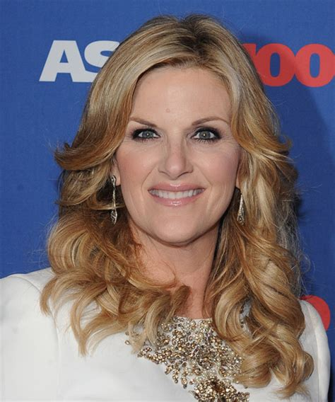 trisha yearwood shaggy hairstyle front and back view of long hairstyles long hairstyles