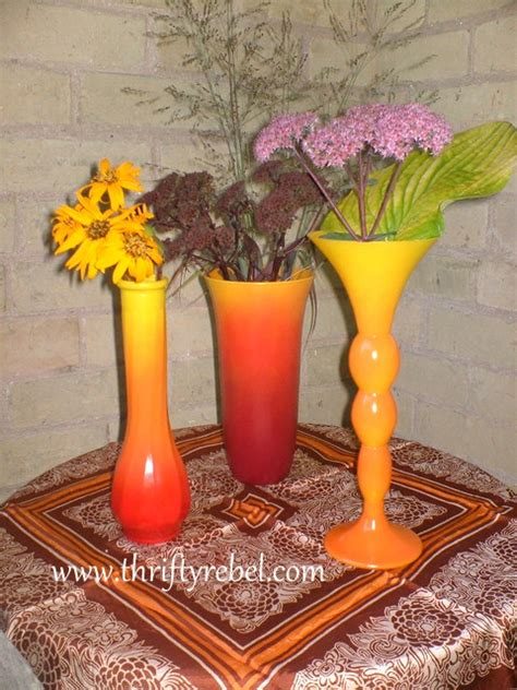 spray paint vase how to spray paint ombre fall vases thrifty rebel vintage