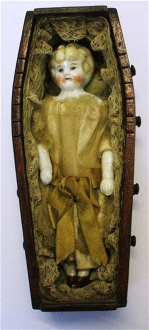 frozen doll coffin 1000 images about frozen friends on