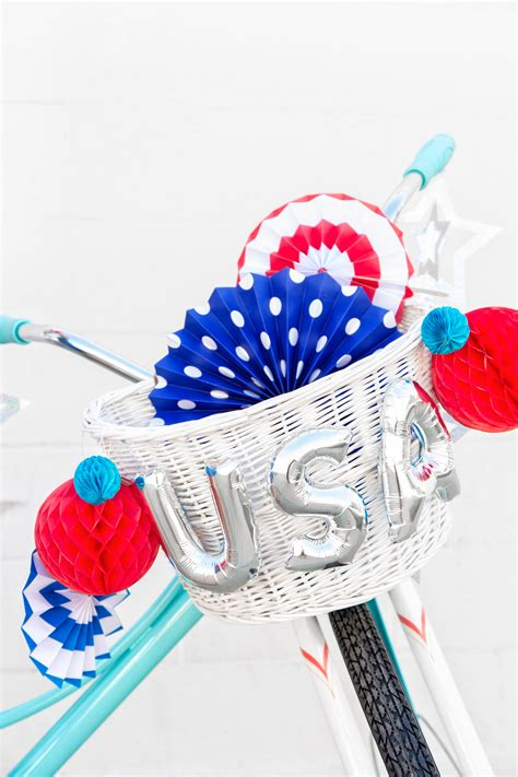 4th Of July Balloon Decorations by Diy Fourth Of July Balloon Bikes 4th Of July Balloon