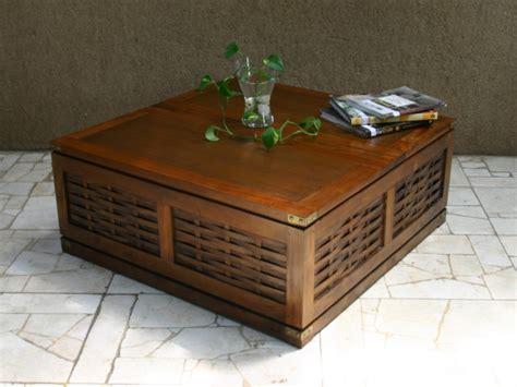 table basse coffre acajou aspect bois naturel