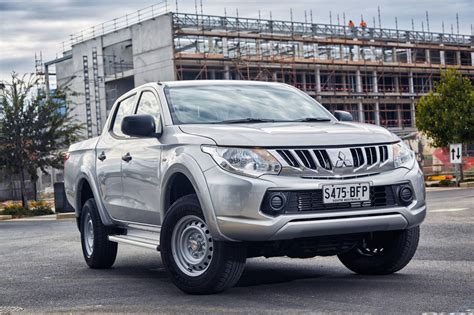 triton mitsubishi 2016 mitsubishi expands 2016 triton lineup with two new