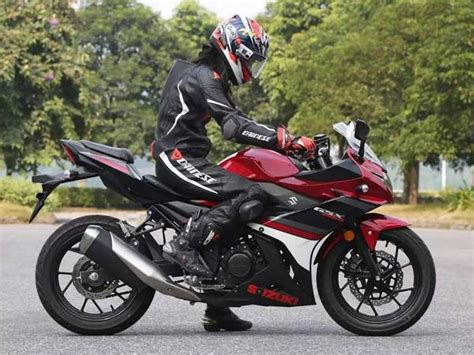 Suzuki In China Unveiled Suzuki Gsx 250r In China Drivespark